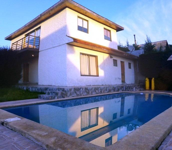 Excelente Casa en Condominio en Algarrobo