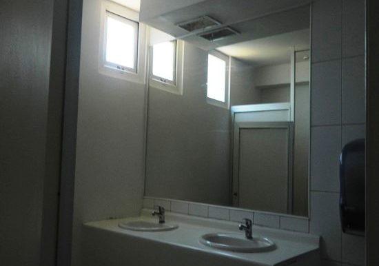 43 baño hombre espacio en comun
