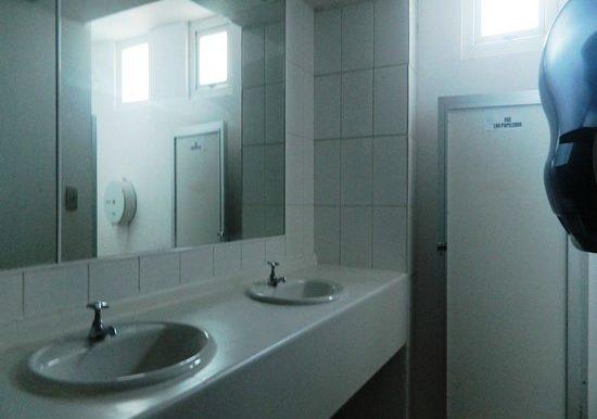 44 baño mujeres espacio en comun